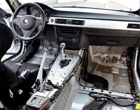 racen auto laten bouwen interieur strippen
